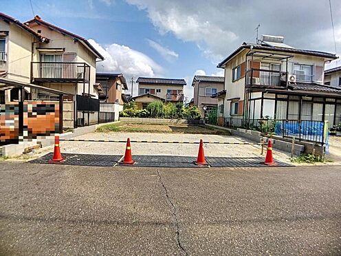戸建賃貸-西尾市平坂町丸山 限定1棟!南面道路につき陽当たり良好です♪