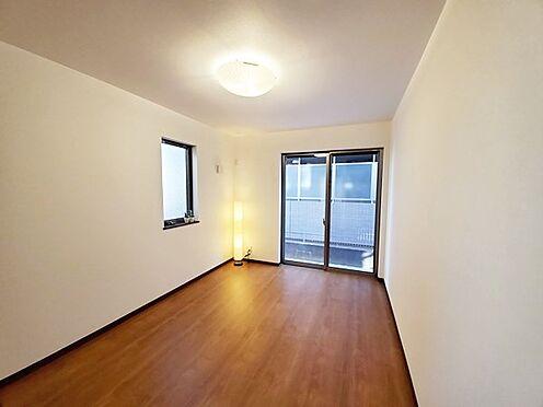 新築一戸建て-八王子市堀之内2丁目 こちらのお部屋も二面採光です。
