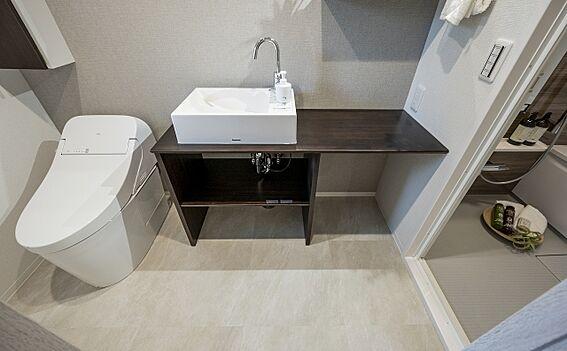 区分マンション-港区高輪2丁目 スペースにゆとりのある洗面所