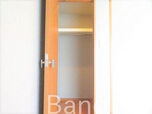 中古マンション-新宿区弁天町 洋室にはウォークインクローゼット付き。