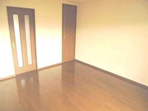 アパート-彦根市新町 洋室(入り口側)