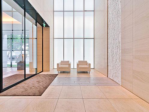 中古マンション-品川区西五反田3丁目 白を基調として落ち着いた空間のロビー