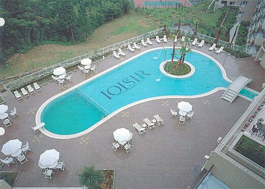 中古マンション-伊東市富戸 屋外プール 夏季営業します。モダンなプールです。
