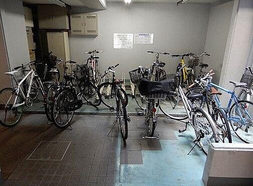 区分マンション-神戸市東灘区深江本町1丁目 駐輪スペースは屋内にあり