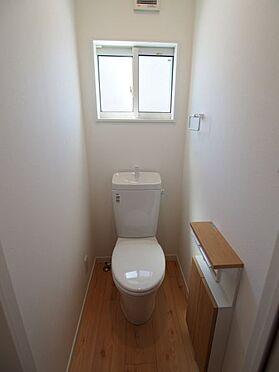 戸建賃貸-碧南市中山町6丁目 収納付きのトイレ!便利ですね!