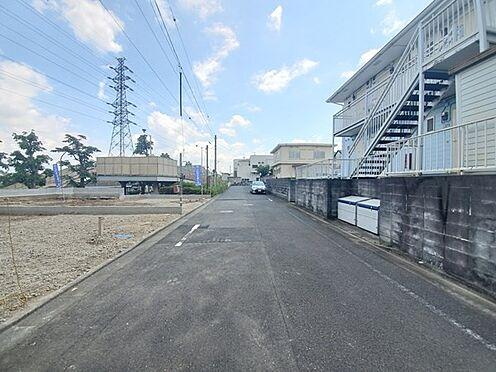 戸建賃貸-八王子市鹿島 道路幅員も広くとれており車の運転時にもゆとりが持てそうです。