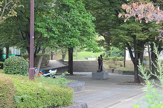マンション(建物一部)-八王子市久保山町1丁目 久保山公園は自然を生かしたくつろぎの空間。テニスコートなどもあります。