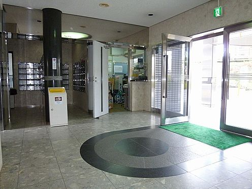 マンション(建物一部)-大阪市都島区都島南通2丁目 清潔感のあるエントランス