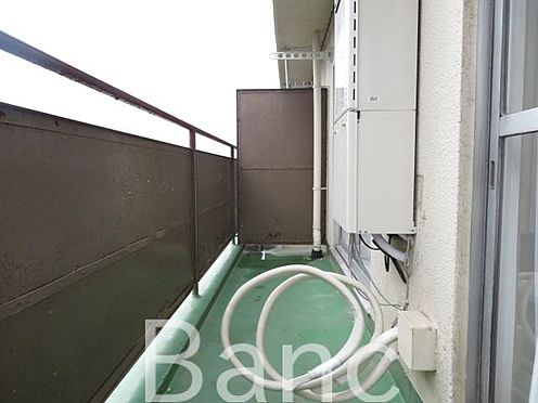 中古マンション-渋谷区本町3丁目 南東向きの明るいバルコニーです。