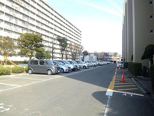 マンション(建物一部)-大阪市淀川区新北野3丁目 広々とした駐車場あり。