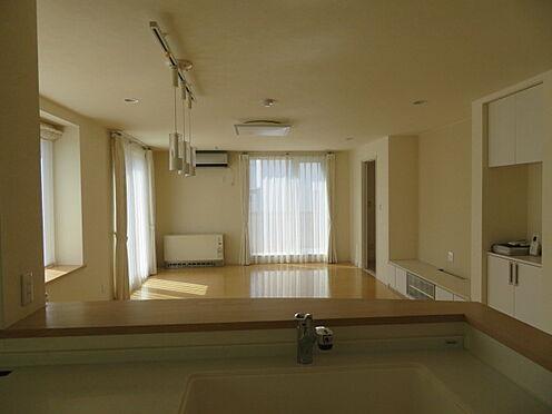 アパート-札幌市清田区平岡四条3丁目 キッチンからリビング