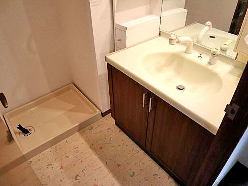 中古マンション-伊東市富戸 ≪洗面・脱衣室≫ 綺麗に使用されています。