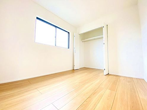 新築一戸建て-福岡市南区西長住3丁目 各居室収納付きで、追加でタンスを置く必要がありません!