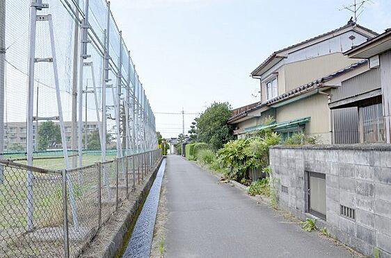 土地-富山市本郷町 西側通路2.7mの様子