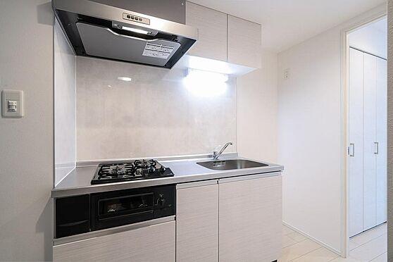 マンション(建物全部)-目黒区大橋2丁目 1Kの玄関からキッチン