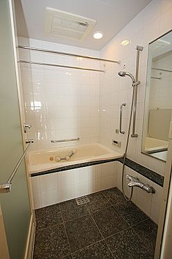 マンション(建物一部)-港区港南2丁目 1418サイズの浴室。