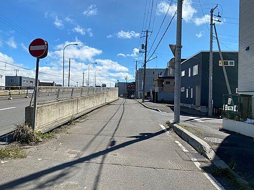 アパート-札幌市厚別区厚別西二条1丁目 道路