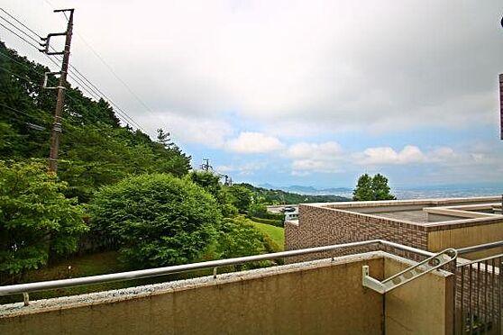 中古マンション-田方郡函南町平井 南西向きのため日当たりが良いです。空気が澄んでいる時は三島の街並みを望みます。