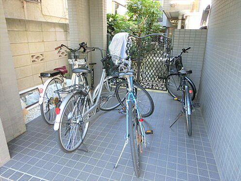 マンション(建物一部)-世田谷区八幡山1丁目 駐輪場です。