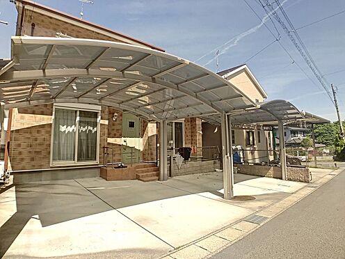 戸建賃貸-岡崎市山綱町字上中野 カーポート付きなので大切なお車を雨風から守ることが出来ます。