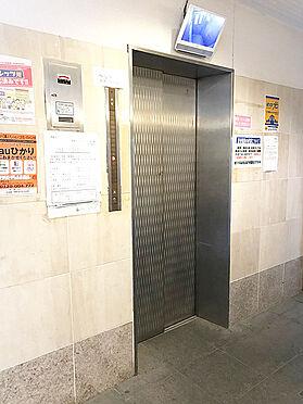 区分マンション-大阪市生野区勝山南4丁目 エレベーターには防犯カメラ付き。
