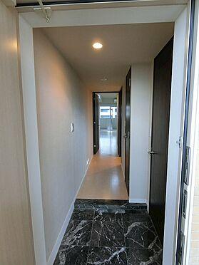中古マンション-中央区勝どき5丁目 玄関からのアプローチ