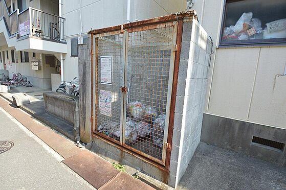 アパート-松阪市清生町 入居者様が便利な専用のゴミ置き場有り。