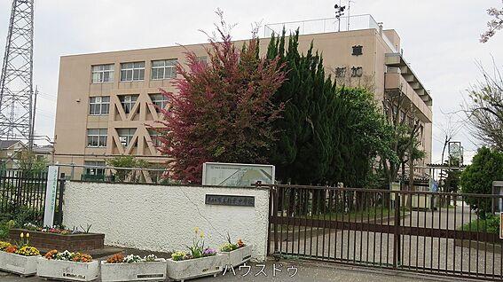 区分マンション-草加市旭町2丁目 新栄中学校 徒歩 約35分(約2800m)