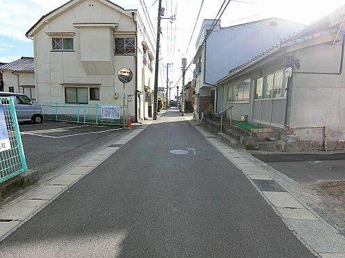 アパート-呉市阿賀中央2丁目 本物件から約50mの車進入可能な道路です。