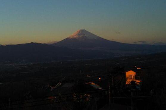 中古一戸建て-伊豆の国市奈古谷 オーナー様撮影の富士山の写真。裾野から綺麗に富士山を望めます。