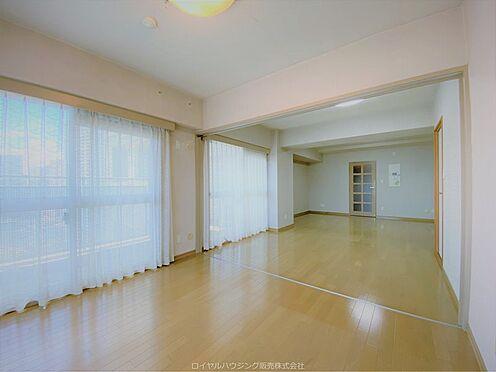 区分マンション-横浜市神奈川区栄町 リビング・ダイニング(約15.2帖)