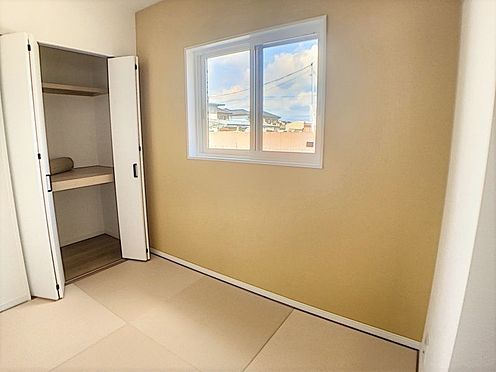 戸建賃貸-西尾市吉良町木田祐言 デザイン性溢れる和室。夏はひんやり、冬は暖かい畳のお部屋で快適生活!