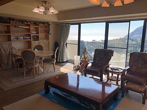 中古マンション-賀茂郡東伊豆町奈良本 【リビング】南向きの日当たりの良いお部屋です。