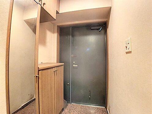 中古マンション-名古屋市守山区緑ヶ丘 大きな鏡があるのでお出かけ前にも便利です。