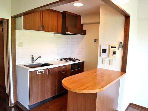 中古マンション-伊東市富戸 ≪キッチン≫ 使い勝手の良いコンパクトなキッチン。