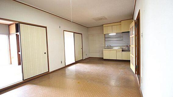 中古マンション-岡崎市矢作町字尊所 キッチンはI型を採用、スペースを有効活用できますね!