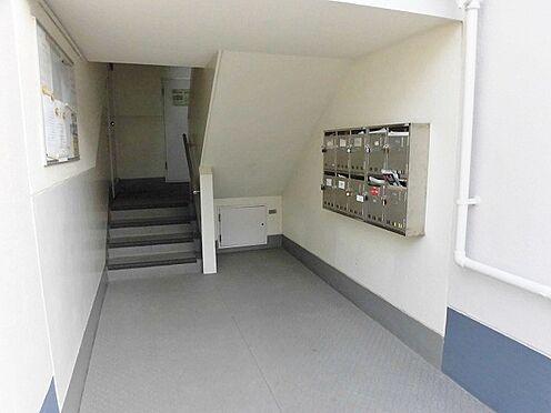 マンション(建物一部)-神戸市垂水区上高丸1丁目 キレイに清掃されたエントランス。
