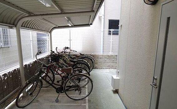 区分マンション-大阪市城東区東中浜6丁目 駐輪場は屋根付き