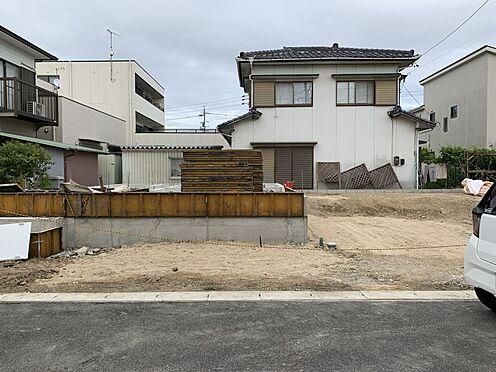 新築一戸建て-豊田市上挙母2丁目 2021年7月完成予定!並列で2台駐車できるので乗り降りも楽々です。