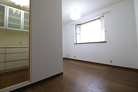 中古一戸建て-多摩市唐木田1丁目 約5帖の書斎です。趣味のお部屋としてもご利用いただけます