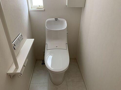 戸建賃貸-みよし市三好町大坪 スタイリッシュなデザインのトイレ。遊びに来たお友達に褒められそうです!