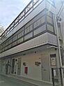 文京区に近い新宿区改代町にある投資用マンション。総戸数12戸、11戸賃貸中。有楽町線「江戸川橋」、東西線「神楽坂」を利用可能。東京駅まで22分でアクセス可能。