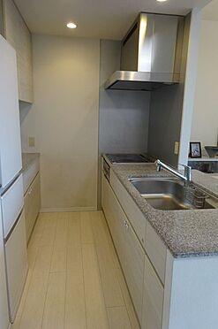 中古マンション-江東区豊洲3丁目 対面式キッチン、約3.2帖