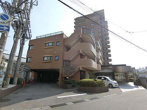 中古マンション-新潟市中央区花園1丁目 マンション1階部分の一部は駐車場となっております