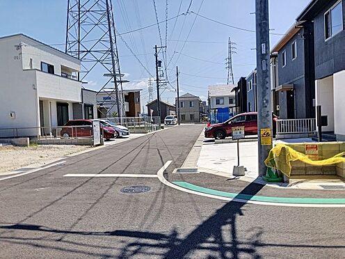 戸建賃貸-岡崎市東大友町字塚本 西側公道幅員約13.5m