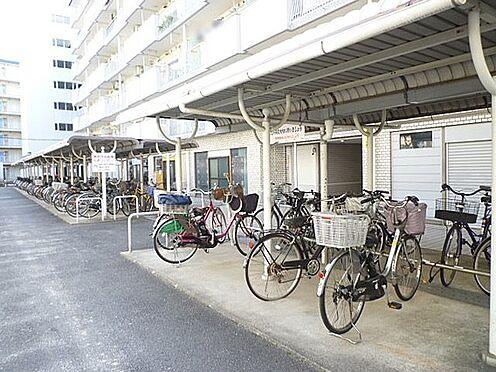 区分マンション-京都市山科区東野門口町 雨を凌ぐ屋根付き駐輪場