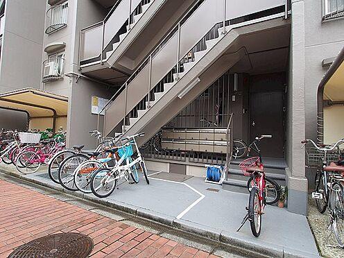 マンション(建物一部)-大阪市東淀川区小松5丁目 駐輪場もあるから、駅までの移動が楽々。