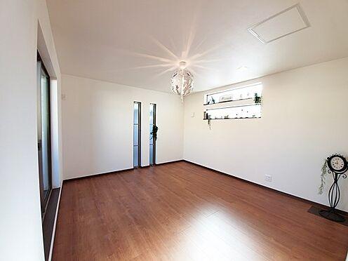 新築一戸建て-八王子市堀之内2丁目 リビングの居間スペース部分です!