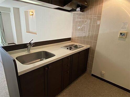 中古マンション-伊東市八幡野 【キッチン】カウンター式のキッチン、プロパンガス使用です。