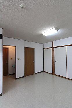 マンション(建物全部)-松山市保免中2丁目 居間